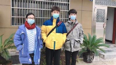 村民煤气中毒命悬一线,武汉大学生见义勇为上演生死时速
