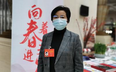湖北两会 致敬2020 | 省人大代表李莉娥:制度突破 药品供应审批加速跑