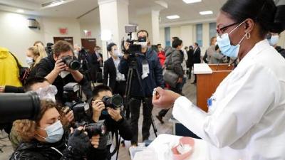 美FDA顾问小组全票支持批准第三款新冠疫苗