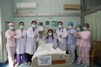 """一场小""""感冒"""" 差点""""要了命"""" ,46岁的她从阜阳远赴亚心得救"""