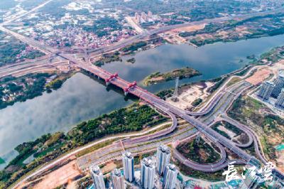 国内跨径最大、最长的廊桥福建金峰大桥正式建成通车