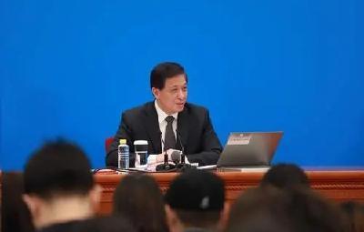 两会热关注 | 中国国防预算首次超过2000亿美元