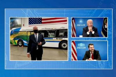 """拜登呼吁提高美国电动汽车产能,""""追上并超越中国"""""""