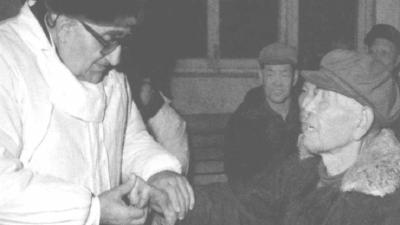 【党史故事】第一个加入新中国国籍的外国人为什么是他?