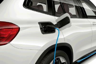 新能源汽车之主播试驾:充电原来如此简单!