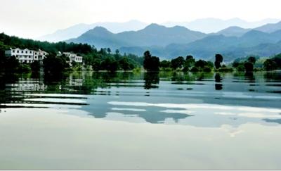 天堂湖風景區線路