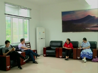 """黄冈市""""民族团结进步荆楚行""""采访团来我县采访"""