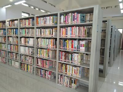 縣圖書館添置一批新書和閱覽設備