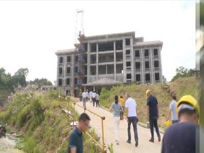 王風華到縣人武部新營區建設現場督辦工程建設進度