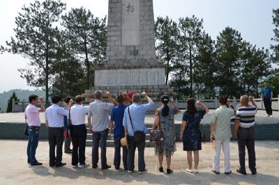 羅田縣司法局老干支部開展紀念建黨98周年主題黨日活動