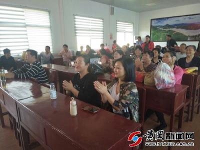 """羅田平湖鄉""""慶國慶""""村級文藝節目催人奮進"""