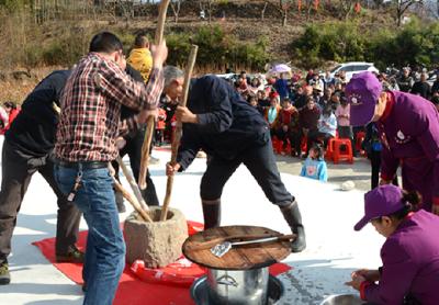 罗田县2020元旦春节文化惠民演出活动走进凤山镇