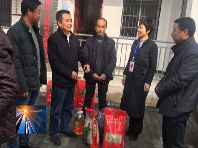 陳世龍到河鋪鎮走訪慰問困難群眾和優秀黨員