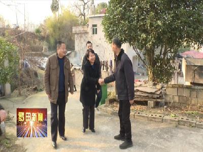 郝愛芳走訪慰問困難群眾、困難黨員、困難職工