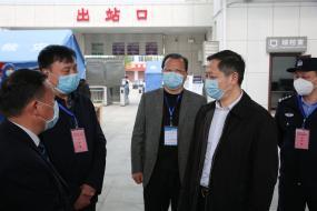 红安县开行首趟务工人员高铁专列