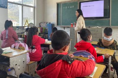 窑淮镇铺沟小学开展系列教师素养练兵活动