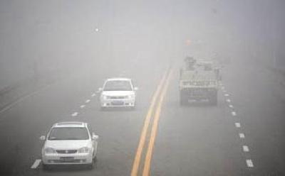因大雾能见度不足100米,湖北多条高速临时管制