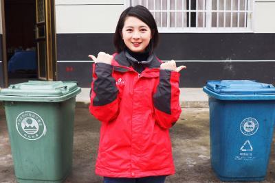 直播预告丨恩施这位女主播为何爬上垃圾车?今天的直播您一定得看看