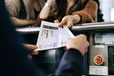 """特价机票能退了!多家航空公司已完成""""阶梯费率""""退改签规则"""