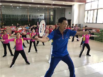 省社会体育指导员科学健身公益行活动走进丹江口