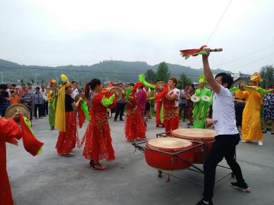 麻家渡镇:农民艺术团活跃在乡村
