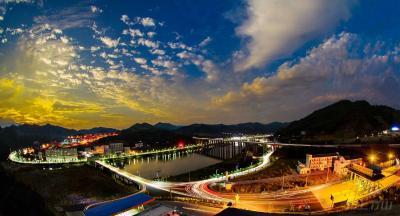 竹山县城·红霞满天-章磊-摄