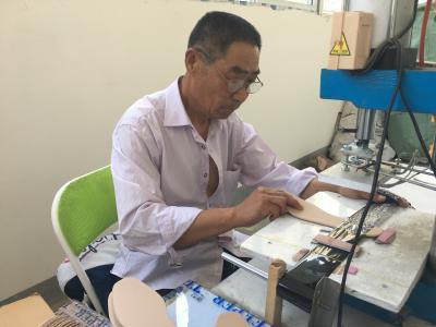 毛光明:家庭作坊带出百万扶贫产业