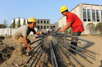 """国庆假期""""不打烊""""  竹山重点项目建设如火如荼"""
