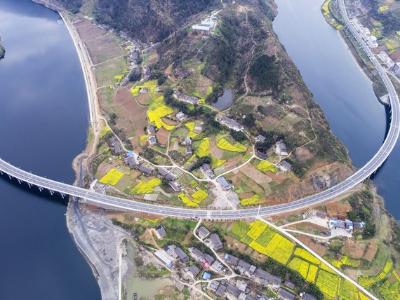 竹山重大建設工程系列報道之十:密織路網  暢通發展