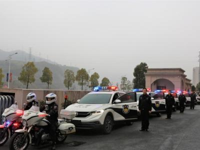 竹山公安局为基层所购配一批执法执勤用车