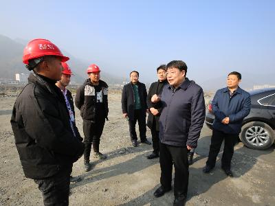 龚举海:建强基层组织 加快推进重点项目