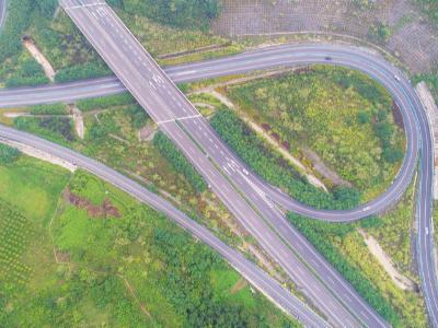 竹山重大建设工程系列报道之九:高速通达 纵贯竹山