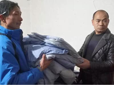 文峰乡:心系困难群众 节前探望暖人心