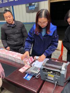 官渡鎮:兆華山野菜公司助力貧困戶脫貧