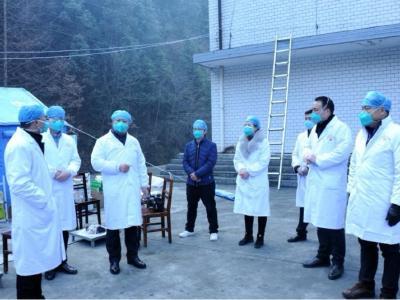 陳建平到縣醫院西溝傳染病區督導