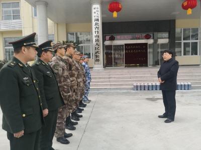 龚举海走访慰问春节期间在岗一线职工