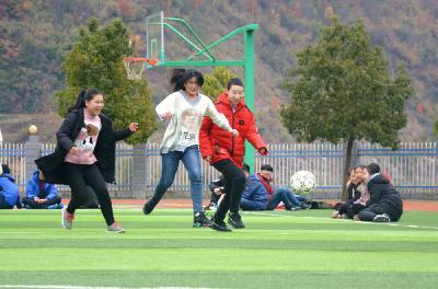 柳林鄉:放飛足球夢想 爭做陽光少年