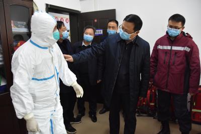 陳建平到醫療機構檢查疫情防控措施落實情況