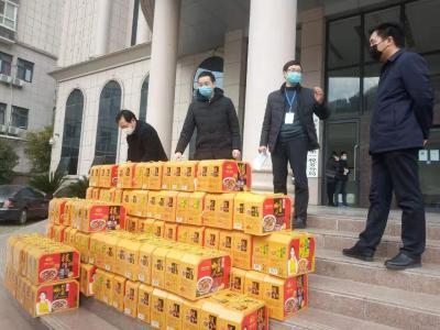 村民捐助養生粥 助力卡點抗疫情