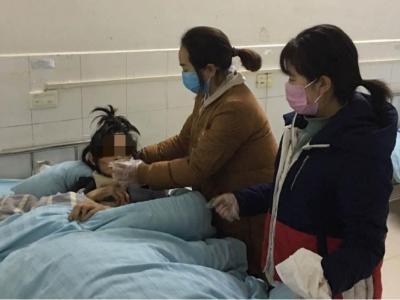 柳林鄉衛生院:護士自掏腰包照料殘燭老人