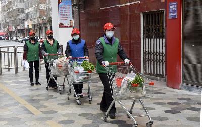 居民生活物資配送志愿服務進行中