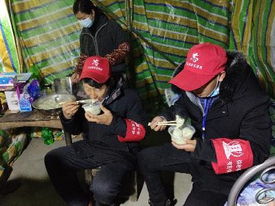 大廟鄉:夫妻兩給志愿者送愛心水餃