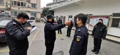 縣公安局特警大隊:打好疫情防控阻擊戰