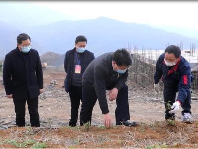 龔舉海:搶抓春管春種農時 鞏固特色產業發展