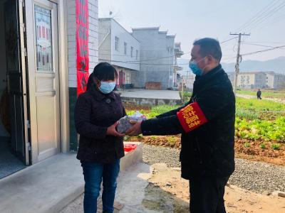 """麻家渡鎮曾岳:85后退役軍人戰""""疫""""再沖鋒"""