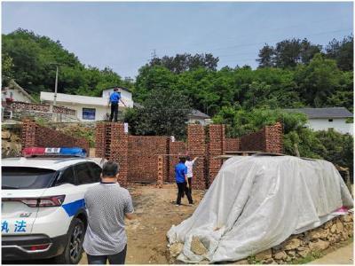 竹山兩部門聯合拆除規劃區違法建筑