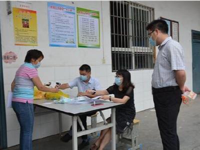 张振武小学152名教职工进行核酸检测