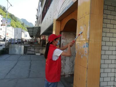 双台财政所积极开展创文环境清理活动