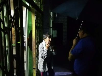 秦古鎮:雨夜巡查保平安