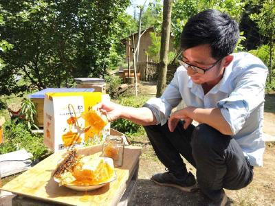 【决胜脱贫】江龙林:蜂蜜甜,心里更加甜;自己富,还要乡邻富
